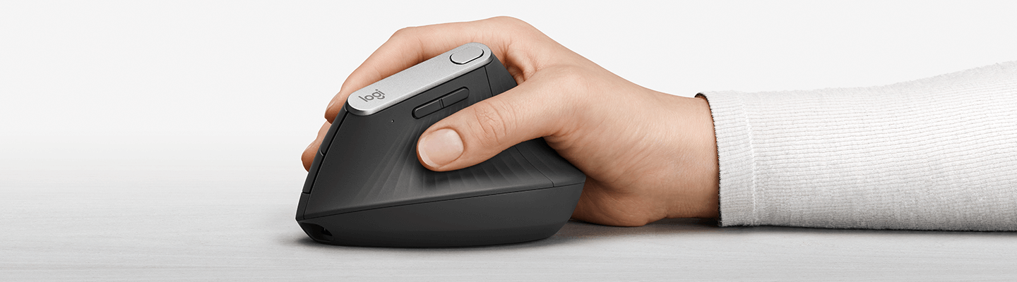 cw37_image_logitech-hand.png