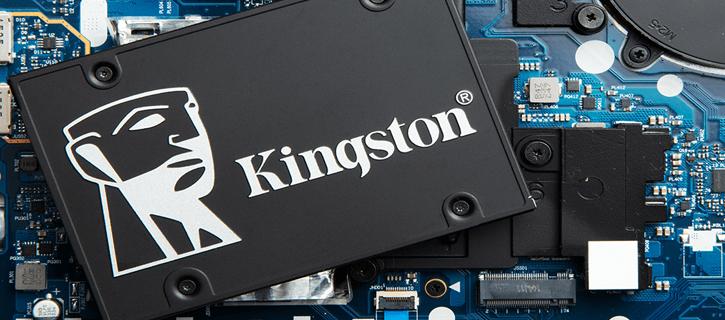 Linha de ssds da kingston para 2021 traz modelo inédito de 7gb/s. Novos ssds da kingston para 2021 incluem modelos para data centers, gamers e para usuários padrão, apresentando grandes melhoras no desempenho dos computadores
